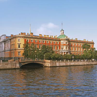 Михайловский замок (вид с набережной Фонтанки)