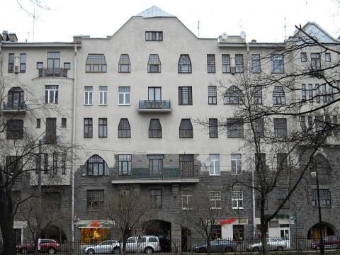 Кронверкский пр., 23 с мемориальной доской А. М. Горькому