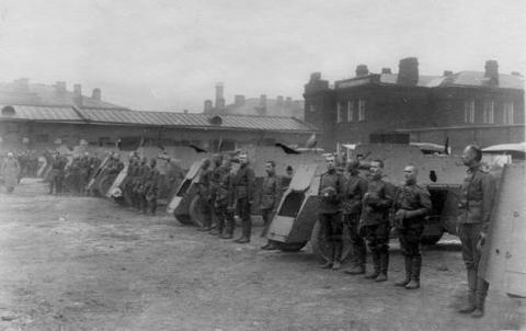 Торжественный смотр 1-й автомобильной пулемётной роты перед отправкой на фронт. Семёновский плац