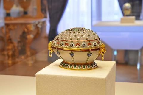 Императорское пасхальное яйцо-шкатулка «Ренессанс» из коллекции Музея Фаберже