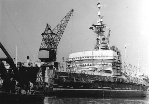 Ледокол «Красин» на верфях ГДР