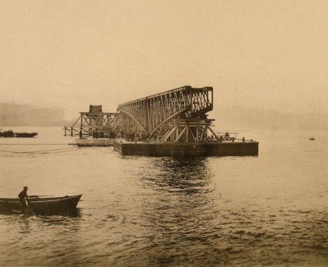 Строительство Троицкого моста
